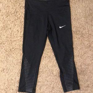 Nike black crop leggings